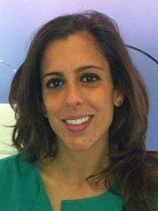 Clínica Dental Maria López-Gollonet - Dental Clinic in Spain
