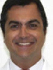 Clínica F. Dantas - Reabilitação e Implantes Orais - Dental Clinic in Brazil