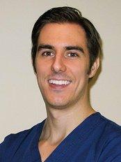 Root canal clinic Madrid-Dr. De Gregorio - Dr. Cesar de Gregorio