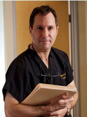 Dr. Kenneth Steinsapir - Plastic Surgery Clinic in US