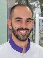 Ortodoncia Y Estetica Bucodental - Dental Clinic in the