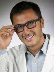 Dott. Andrea Nizzia - Plastic Surgery Clinic in Italy