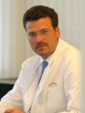 Dr. med. Philipp Fallscheer - Plastic Surgery Clinic in Switzerland
