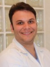 Dr. Marcelo Falsi - Dental Clinic in Brazil