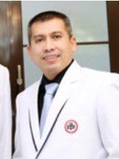 LIPS Plastic Surgery - Dr Prianto Aritonang
