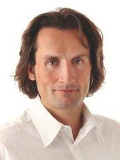 Dr. Nikolaus Redtenbacher - Medical Aesthetics Clinic in Austria