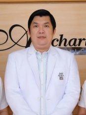 Apichart Clinic - Pattaya Road - Medical Aesthetics Clinic in Thailand
