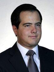 Dr. Alfredo Longo - Plastic Surgery Clinic in Guatemala