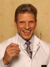 Janis Gilis Plastic Surgery - Surgeon dr. med. J. Gilis