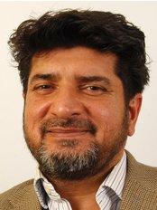 Mr. Azhar Iqbal - Spire Hospital - Plastic Surgery Clinic in the UK