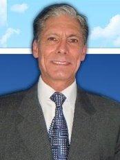 Dr. Oscar Arango P. Oral and Maxillofacial Surgery - Dental Clinic in Costa Rica