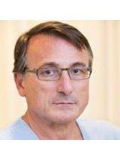 Dott. Giammatteo Cecchini - Plastic Surgery Clinic in Italy