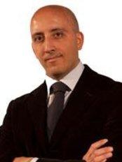 Dott. Giuseppe Cuccia - Milan - Plastic Surgery Clinic in Italy