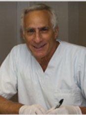 3546 Van Horne Dental Centre - Dental Clinic in Canada