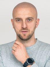 Scalpmann Hair and Head Care - Krzysztof Reczynski Scalpmann Hair&Head Care Owner & Practioner