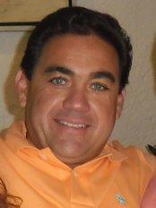 Dental Max Clinic - Dr Arturo Palacios