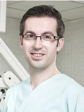 Turkey Dental Tourism - Dr Eser Elemek Cert Fell in Adv Periodontics