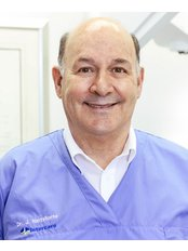 Dr Johan Hartshorne - Dental Clinic in South Africa