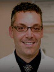 Francis Migneault Denturologist Longueuil Clinic - Dr Francis Migneault