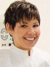 Clínica Dra. Evelia Cruz - Dental Clinic in Spain