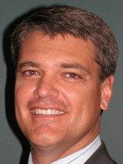 Dr Stuart Kirkham - Orthopaedic Clinic in Australia