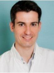 InviMed Fertility Clinics Warsaw - Tomasz Deja