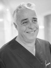 Clínica Dental Naveiras - Dental Clinic in the