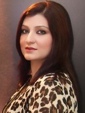 Senior Dermatologist and Skin Specialist Dr. Shumaila Khans - Plastic Surgery Clinic in Pakistan