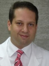 Dr. Guillermo Santana Q. Certified Plastic Surgeon - Plastic Surgery Clinic in Chile