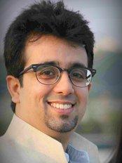 Keswani Multispeciality Dental Clinic - Dr Pratik Keswani