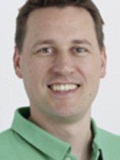 Dr. Michael Marzellus Gomolka - Dental Clinic in Germany
