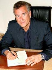 Doctor Bernard Tagliero - Plastic Surgery Clinic in France