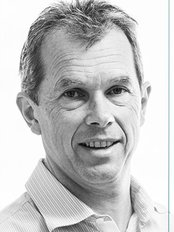 Tom Sunderland Oral and Maxillofacial Surgeon-Wodonga - Dental Clinic in Australia