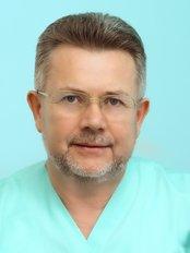 Prof. Stephan Khmil - Kinderwunschpraxis in der Ukraine