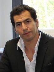Docteur Kaled Chekaroua - Chirurgie Plastique et Reconstructrice Chirurgie Esthétique - Dr. Kaled Chekaroua