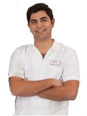 Dr. Burak Şimşek - Zahnarztpraxis in der Türkei