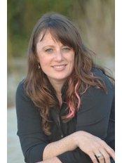 Dr. Karen Hudes Chiropractor - Chiropractic Clinic in Canada