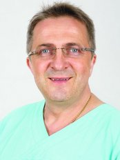 Dr n. Med. Krzysztof Jakubowski -Estell Medyczyna Estetyczna - Medical Aesthetics Clinic in Poland