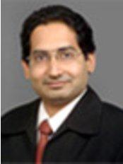 Dr. Vikram R Lotwala - Dr Vikram Lotwala