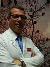 Dental Ambassador Brussels - Dentist David Hatzkevich, specialist in prosthodontics