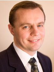 Mr Paul Roblin - Plastic Surgery Clinic in the UK