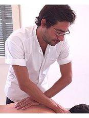 Yohan Amsellem Osteopath Tel-Aviv - Osteopathic Clinic in Israel