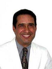 Dr. Raúl Cameras Meneses, Odontología Integral - Dental Clinic in Mexico