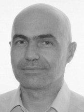 Dr. Marcin Sierociński - Klinik für Plastische Chirurgie in Polen
