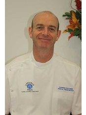 ADVANCE ORAL DENTURE CLINIC - Darren Fletcher - Clinical Prosthetist