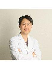 Glory Seoul Eye Clinic - Dr. KIM William