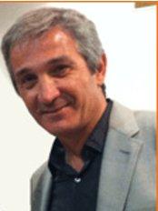 Dr. Bruno Lellouche - Paris - Plastic Surgery Clinic in France