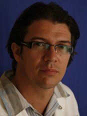 Dr. Zsolt Toperczer - TopForma - Klinik für Plastische Chirurgie in Ungarn