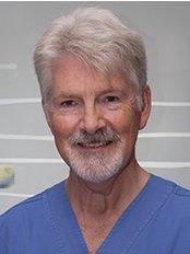Contemporary Dental - Dr Bob Brazenall