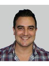 Calibre Clinic - Dr Gavin Scriven MBBS (Sydney)